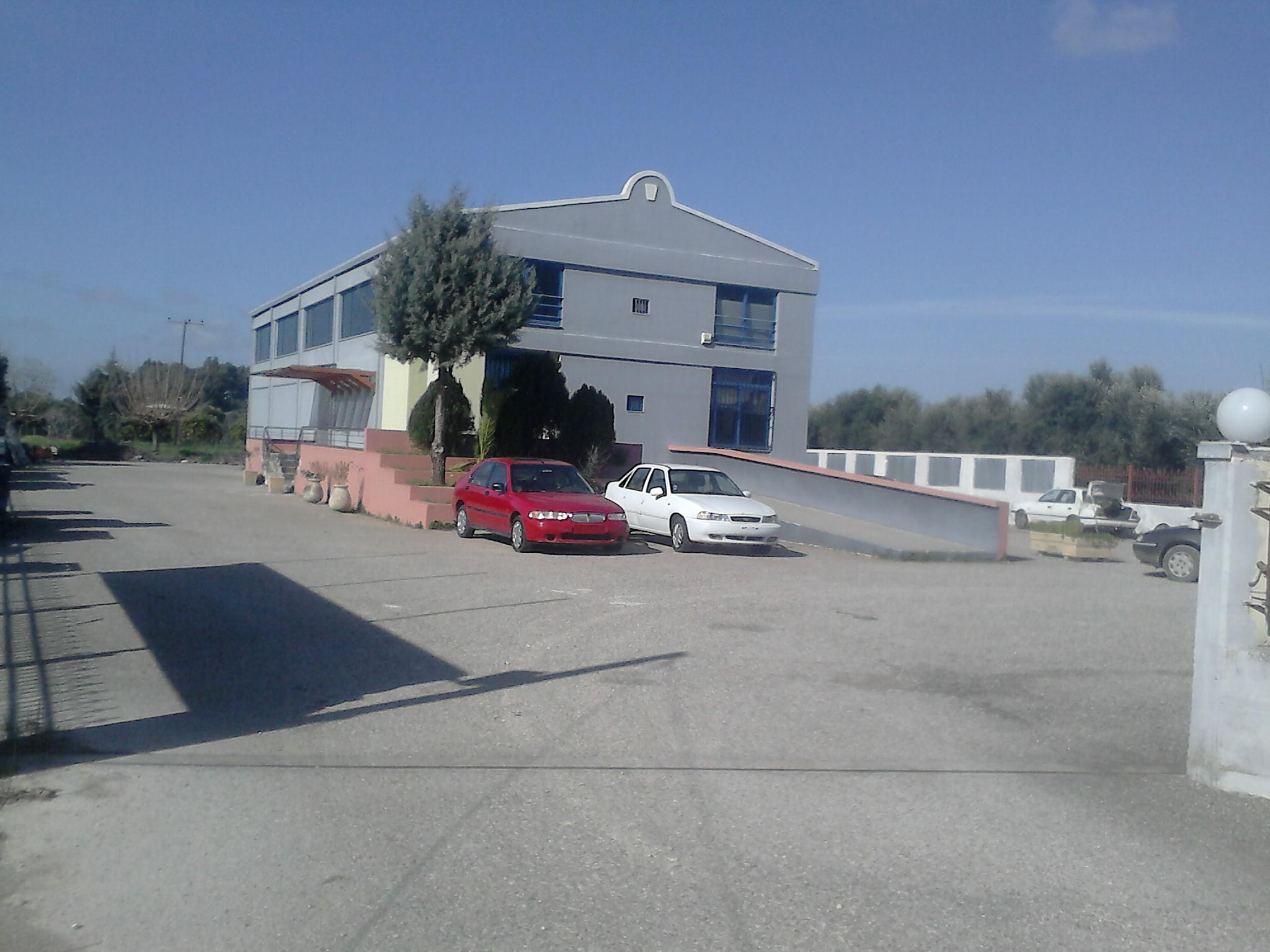ΑΜΑΛΙΑΔΑ Επαγγελματικό κτίριο 350τμ στην είσοδο της Αμαλιάδας